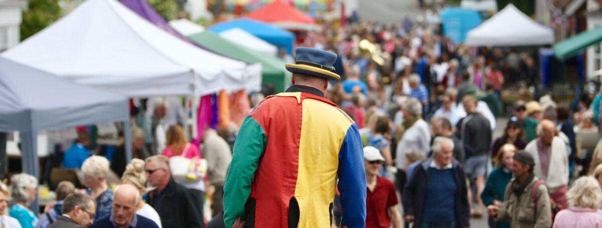 Street entertainer at Harting Festivities